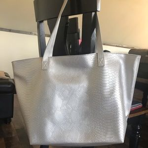 *NEW* Bath and Body Works silver tote